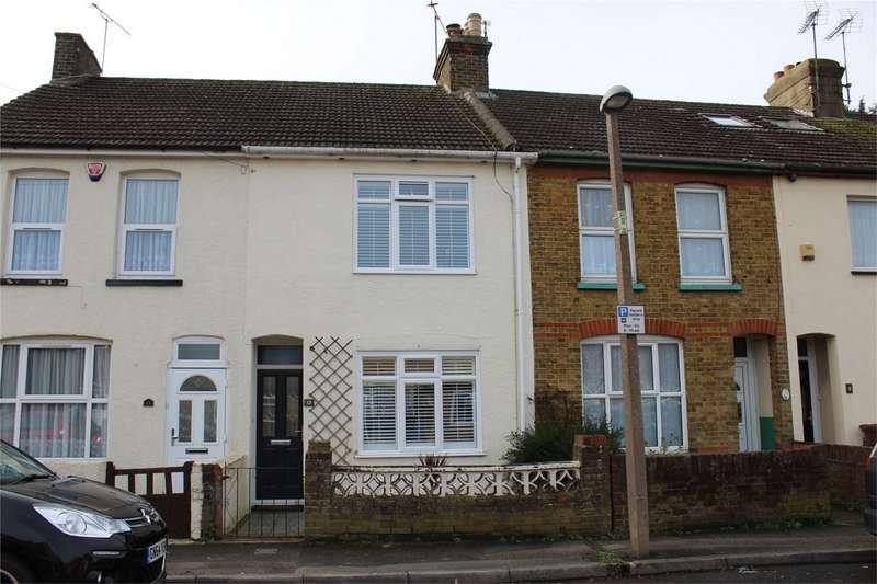 3 Bedrooms Terraced House for sale in Henry Street, Rainham, Gillingham, Kent