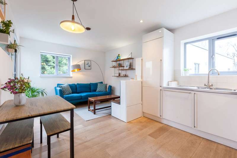 1 Bedroom Flat for sale in Criterion Mews, Herne Hill, SE24