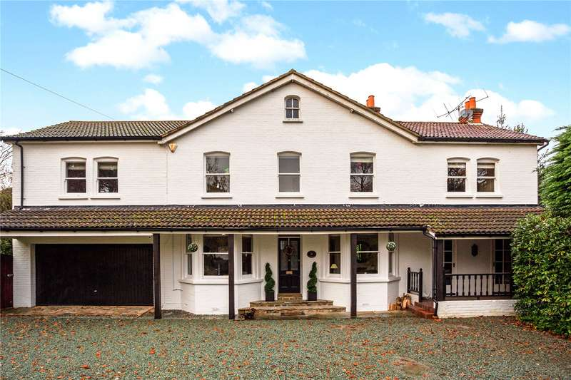 5 Bedrooms Detached House for sale in Guildford Road, Fleet, GU51