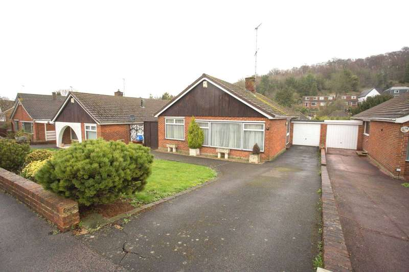 2 Bedrooms Bungalow for sale in Marion Close, Walderslade