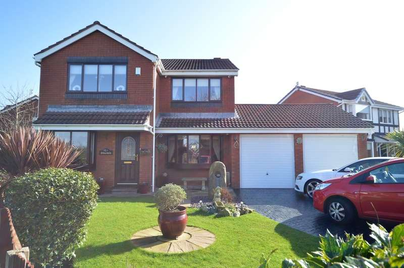 4 Bedrooms Detached House for sale in Moss Way, Blackpool, FY4