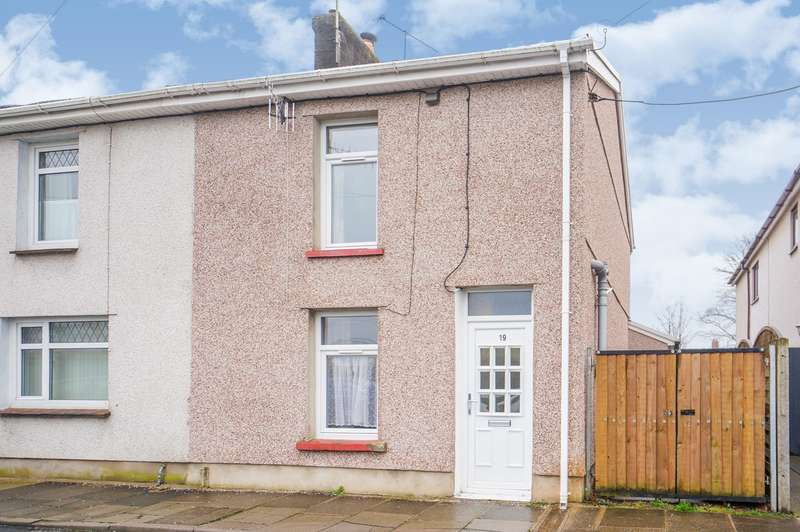2 Bedrooms Semi Detached House for sale in Brookland Road, Risca, Newport, NP11