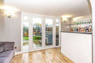 3 Bedrooms End Of Terrace House for sale in Landrail Road, Lower Halstow, Sittingbourne, Kent