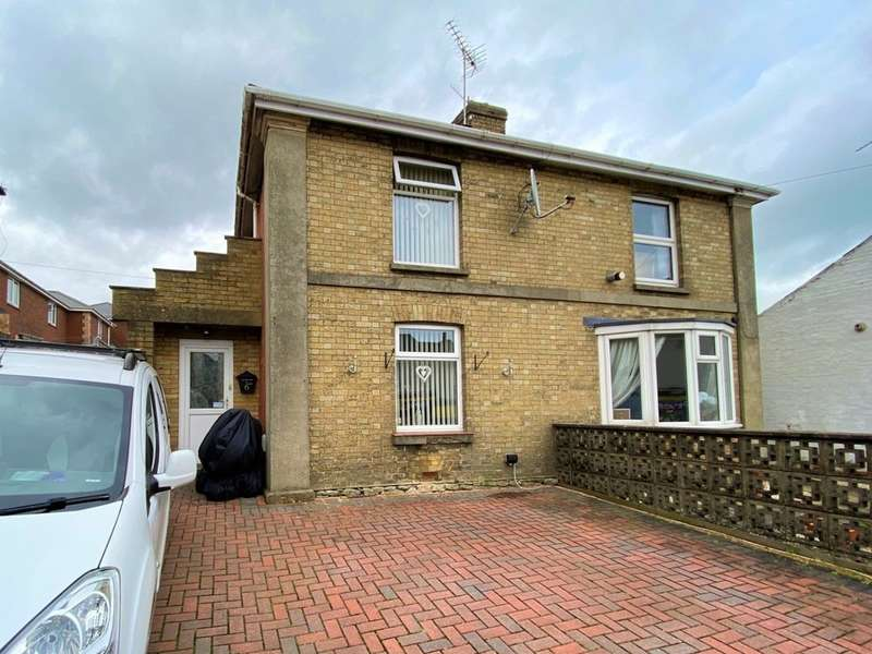 3 Bedrooms Semi Detached House for sale in St. Johns Road, Ryde