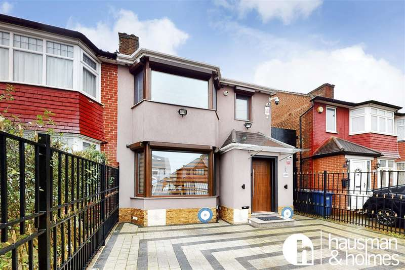 4 Bedrooms House for sale in Cheviot Gardens, NW2