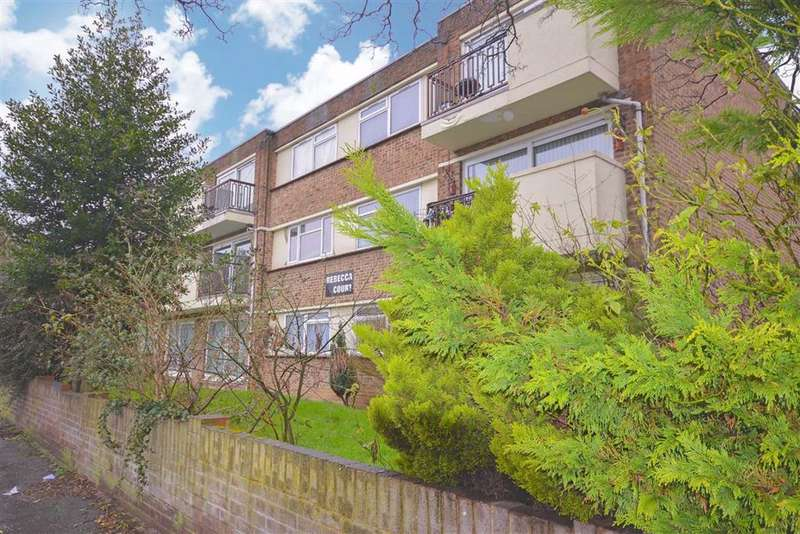 2 Bedrooms Flat for sale in Lower Northdown Avenue, Cliftonville, Kent