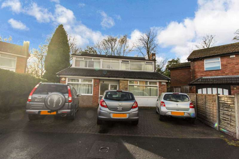 4 Bedrooms Detached House for sale in Kinloch Drive, Bolton