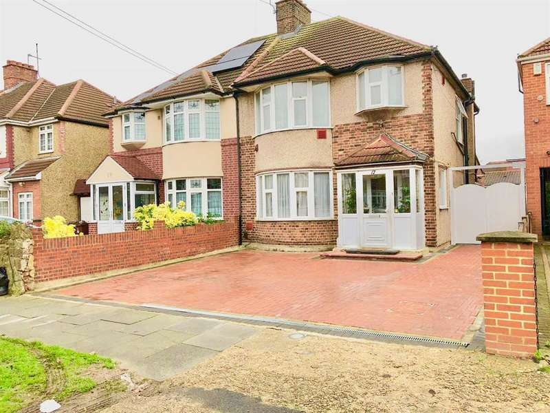 3 Bedrooms Semi Detached House for sale in Burns Way, TW5