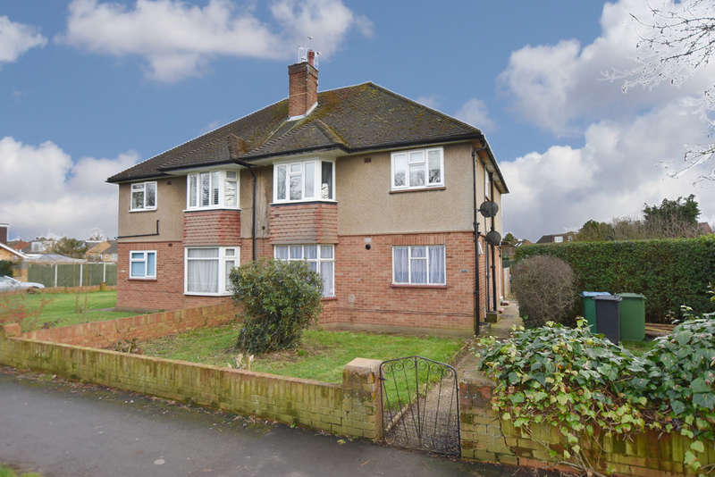 2 Bedrooms Maisonette Flat for sale in High Road, Leavesden Watford