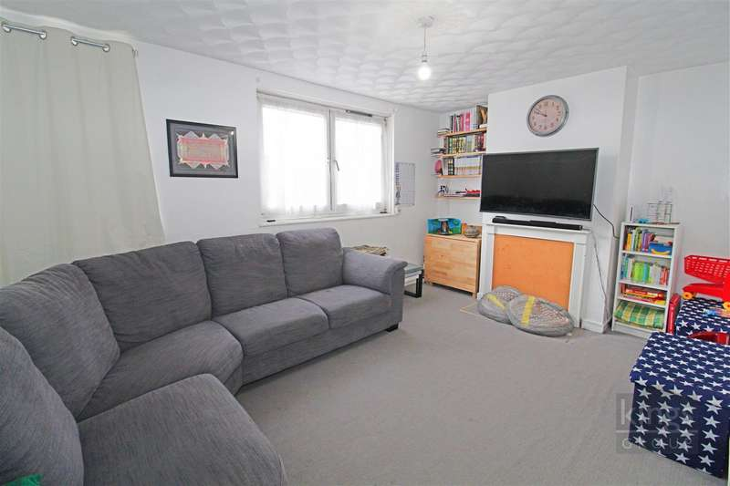 2 Bedrooms Flat for sale in Stafford Road, London