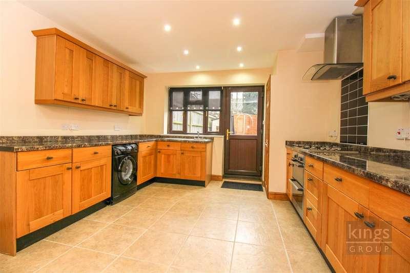 2 Bedrooms Terraced House for sale in Queen Street, London