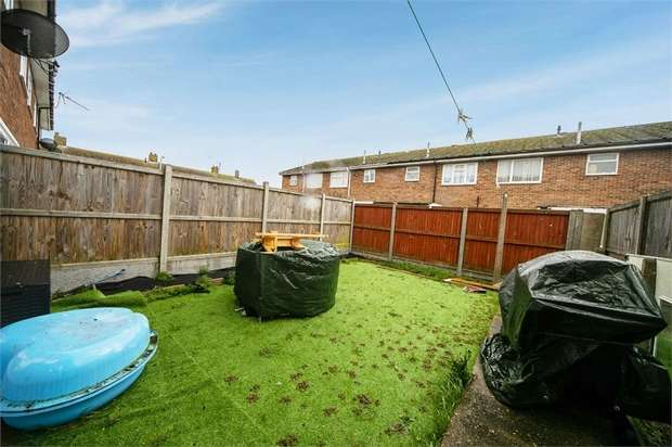 3 Bedrooms Terraced House for sale in Love Street Close, Herne Bay, Kent