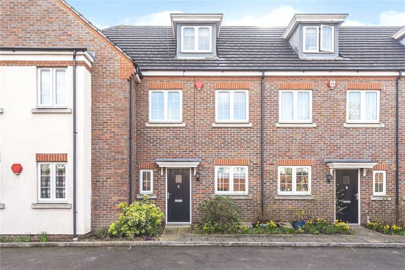 3 Bedrooms Terraced House for sale in Christie Court, Watford, Hertfordshire, WD18