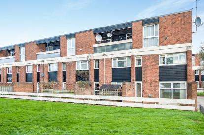 2 Bedrooms Maisonette Flat for sale in Union Street, Kingsholm, Gloucester, Gloucestershire