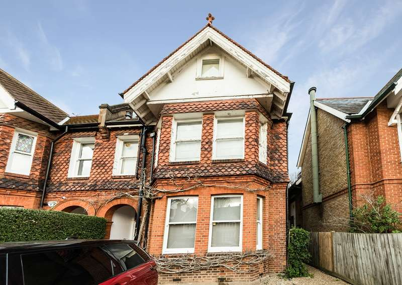 1 Bedroom Flat for sale in Grove Park Gardens, London, W4