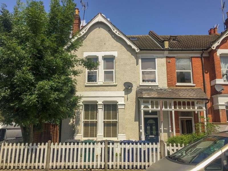 3 Bedrooms Maisonette Flat for sale in Bulwer Road, Barnet, Hertfordshire, EN5