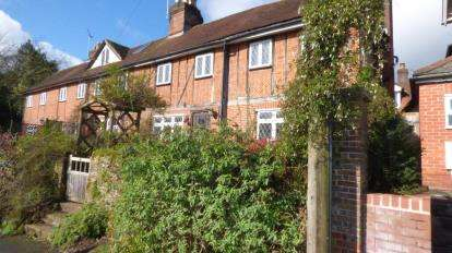 2 Bedrooms Terraced House for sale in Petersfield, Hampshire