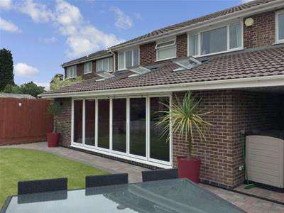 5 Bedrooms Detached House for sale in Wessex Drive, Leicester