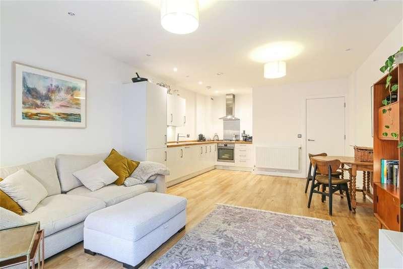 1 Bedroom Flat for sale in Piper Court, Lomond Grove, Lomond Grove, London, SE5 7FQ