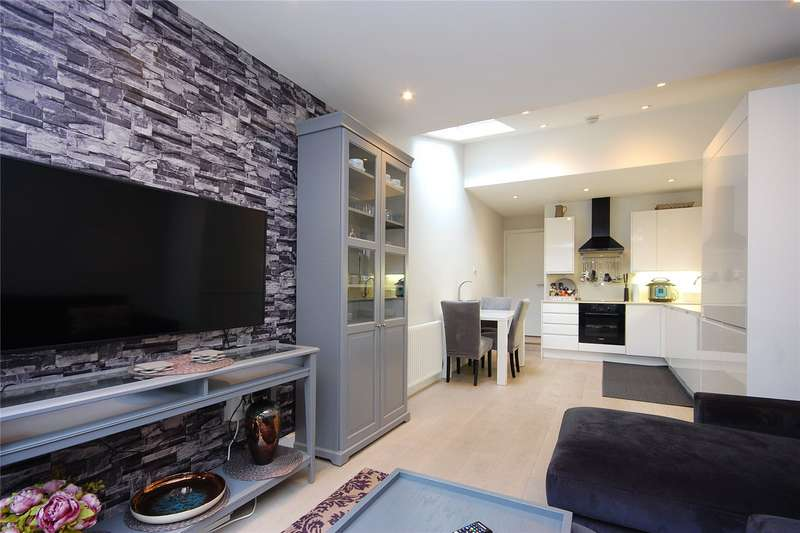 2 Bedrooms Property for sale in Lichfield Road, London
