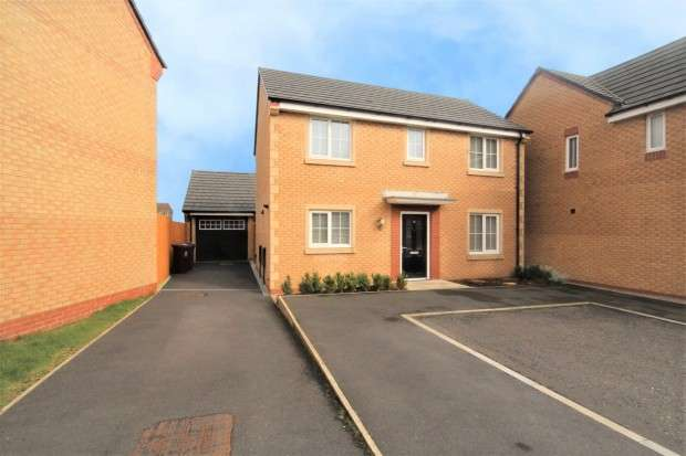 3 Bedrooms Detached House for sale in Water Meadows, Preston, PR3
