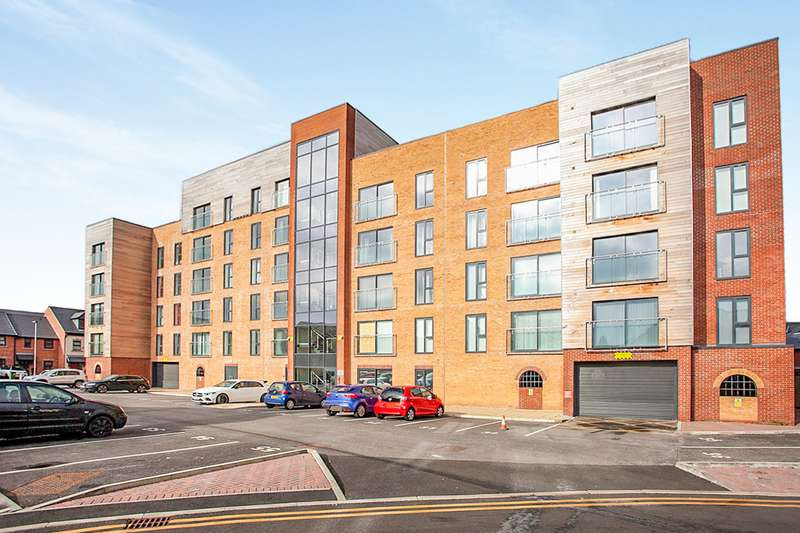 3 Bedrooms Apartment Flat for sale in Bridgewater House, Bridgewater Wharf, Droylsden, Manchester, M43