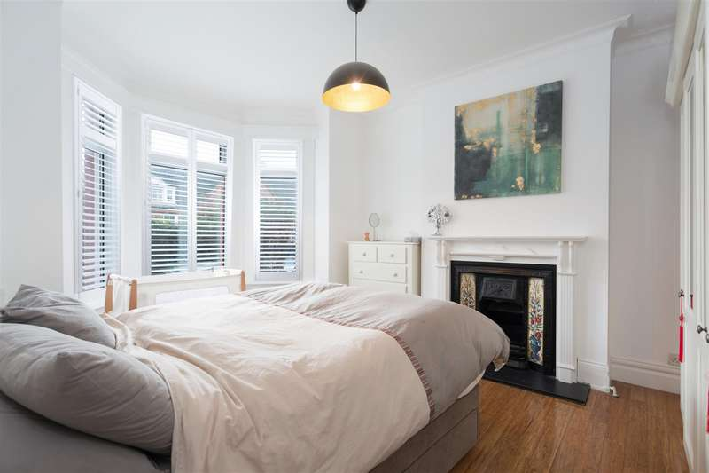 2 Bedrooms Flat for sale in Wotton Road, Cricklewood, London NW2