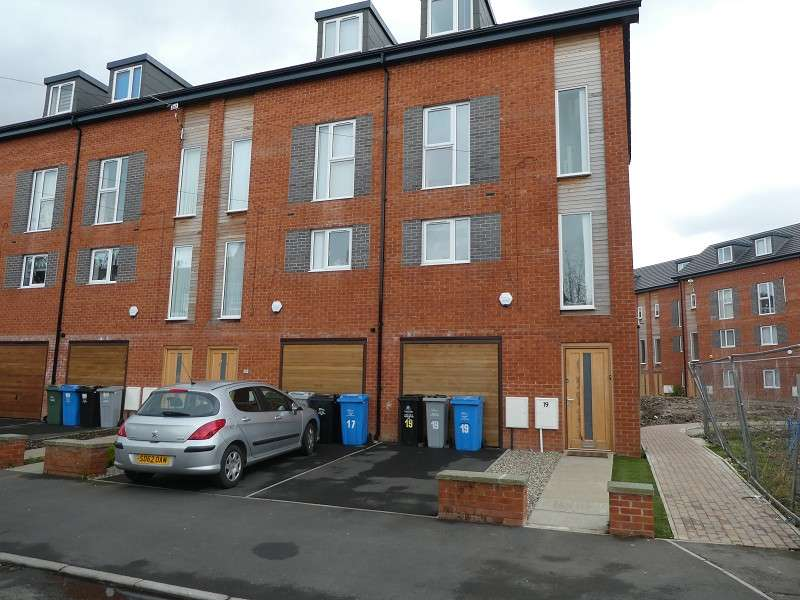 4 Bedrooms Town House for sale in The Maltings, Northumberland Road, Old Trafford, Manchester, M16
