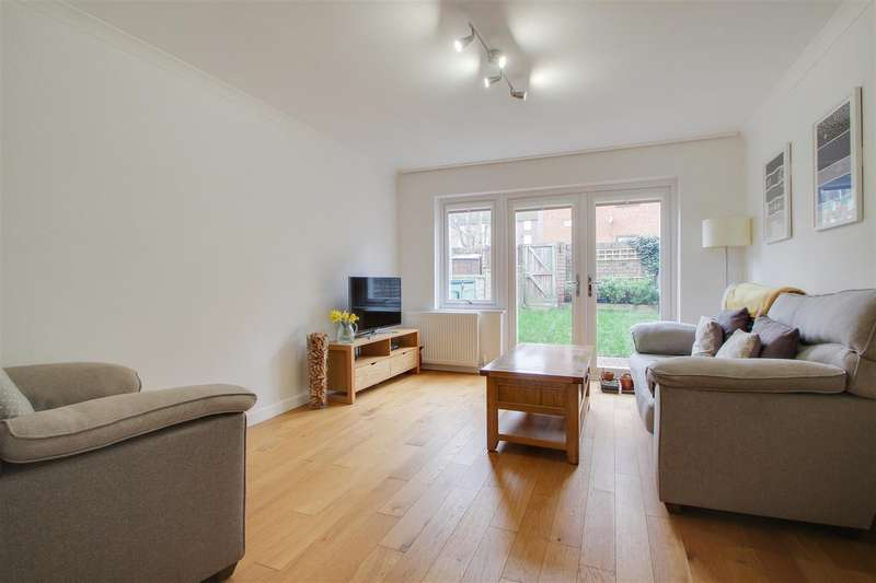 2 Bedrooms House for sale in Gilmore Road, London