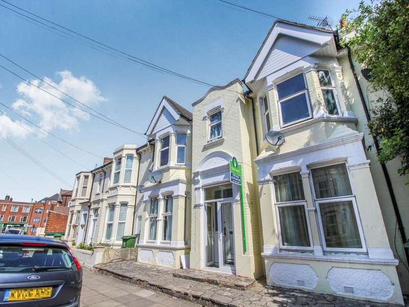 2 Bedrooms Apartment Flat for sale in Hewett Road, Portsmouth, Hampshire, PO2