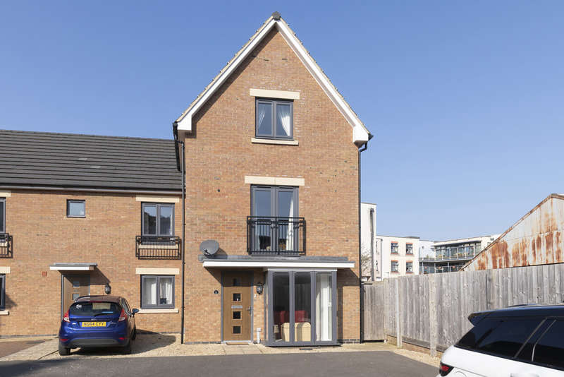 4 Bedrooms Semi Detached House for sale in Prestbury Close, Cheltenham GL52 2DN