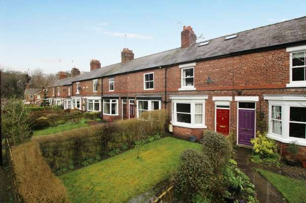 Terraced House for sale in Ascol Drive, Knutsford, Cheshire, WA16 0UD