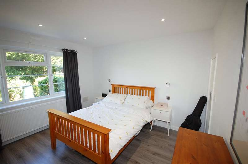 2 Bedrooms Flat for sale in Gainsborough Court, Nether Street, Woodside Park
