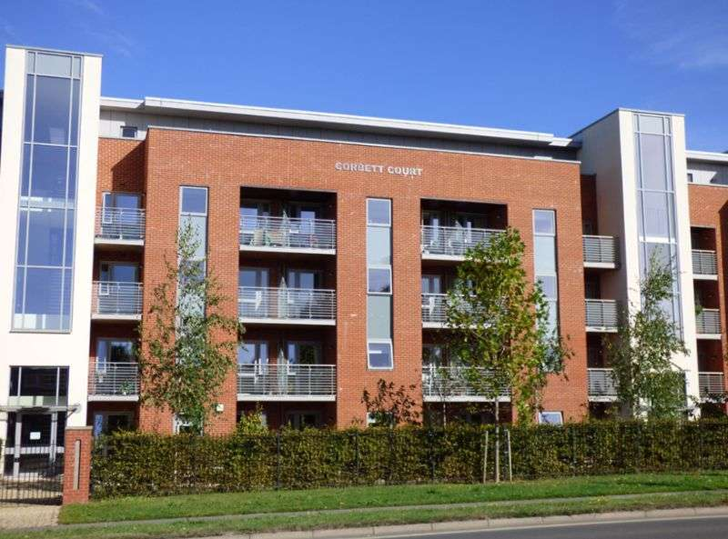 2 Bedrooms Property for sale in Corbett Court, Burgess Hill: **EX SHOW APARTMENT & TWO JULIETTE BALCONIES**