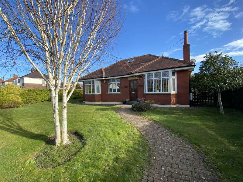 4 Bedrooms Detached Bungalow for sale in Mythop Road, Lytham