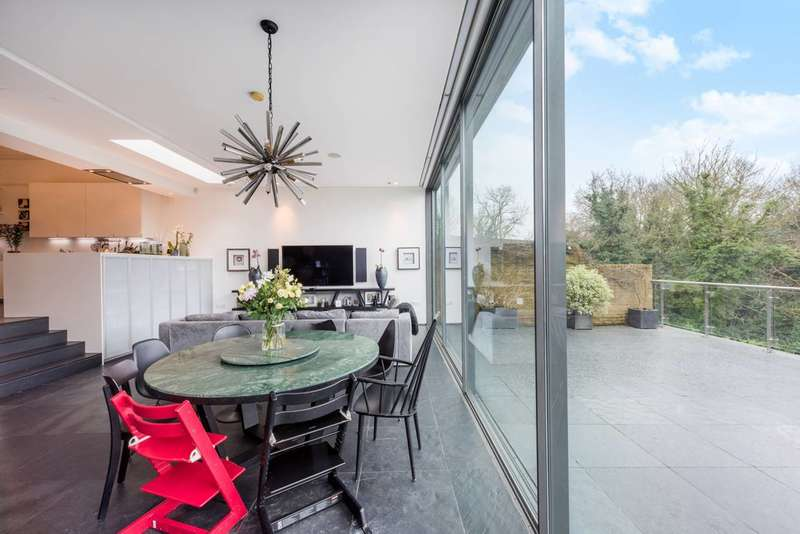 8 Bedrooms Detached House for sale in Glenluce Road, Blackheath, SE3