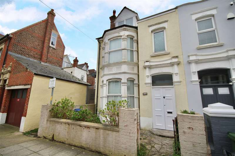 4 Bedrooms End Of Terrace House for sale in Festing Grove, Southsea