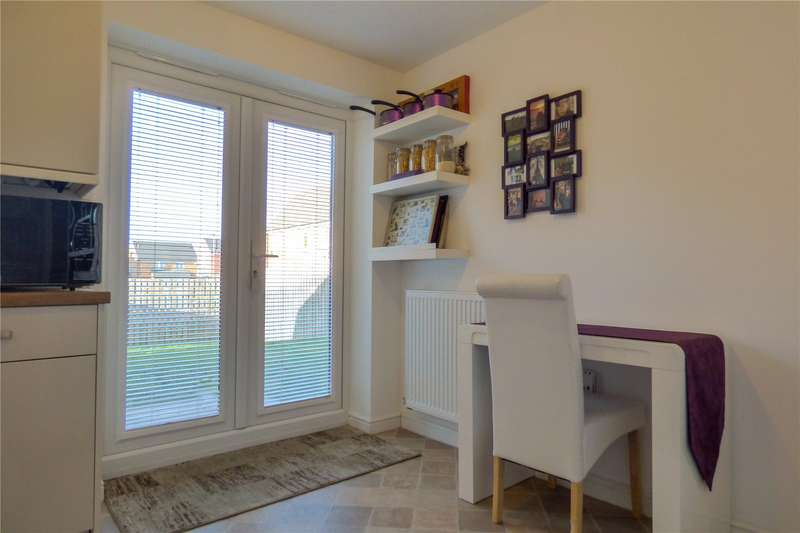 3 Bedrooms Detached House for sale in Mackeson Drive, Ashton-under-Lyne, Greater Manchester, OL6