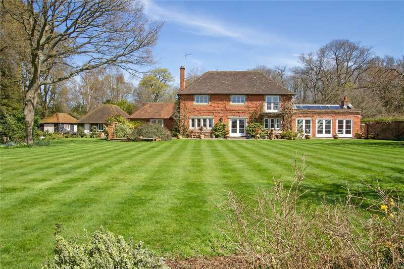 5 Bedrooms Detached House for sale in Hurland Lane, Headley, Hampshire, GU35