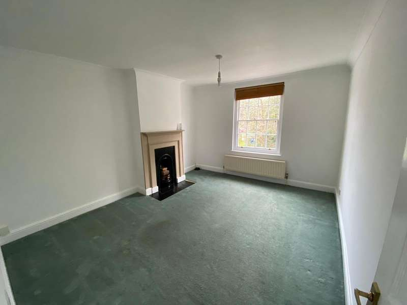 2 Bedrooms Apartment Flat for sale in Boormans Mews, Wateringbury, Maidstone, Kent, ME18