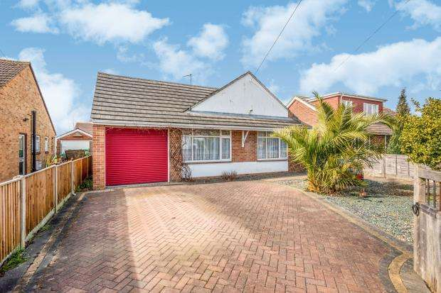 3 Bedrooms Bungalow for sale in Emsworth, Hampshire, .