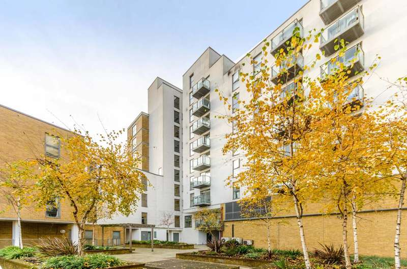 3 Bedrooms Flat for sale in Frances Wharf, Limehouse, E14