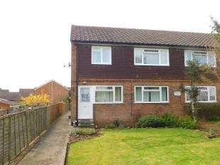 2 Bedrooms Maisonette Flat for sale in Vintners Court, Vintners Way, Maidstone, Kent
