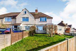 3 Bedrooms Semi Detached House for sale in Dickens Road, Maidstone, Kent