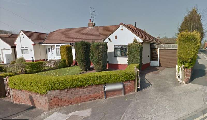 2 Bedrooms Bungalow for sale in St. Johns Road, Huyton, L36 0UT