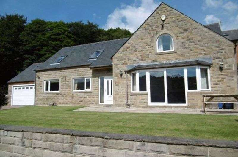 4 Bedrooms Property for sale in HENSHAW ROAD, Walsden, Todmorden OL14 6QR