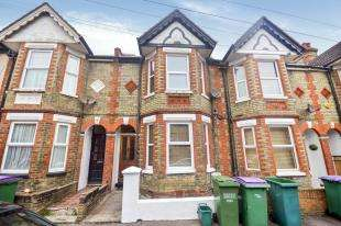 3 Bedrooms Terraced House for sale in Russell Road, Folkestone, Kent