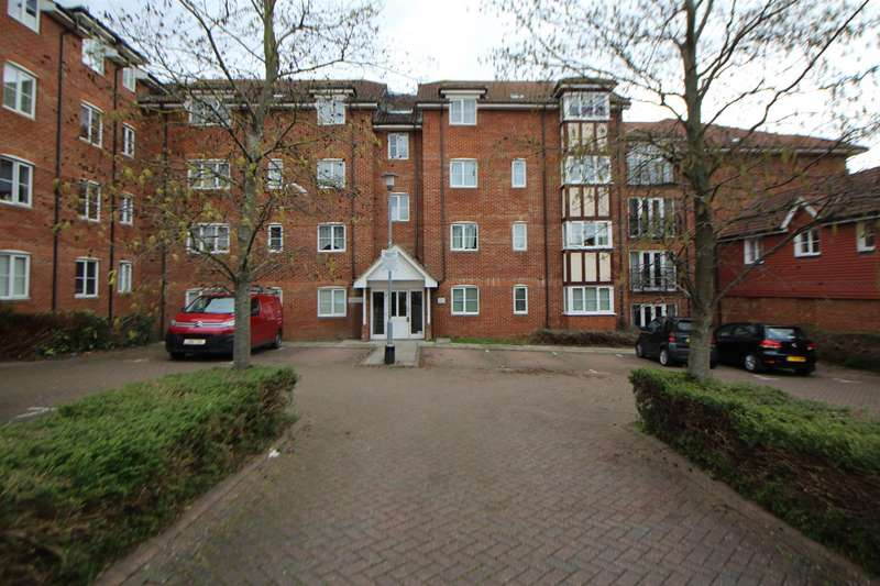 2 Bedrooms Flat for sale in Vancouver Road, Broxbourne