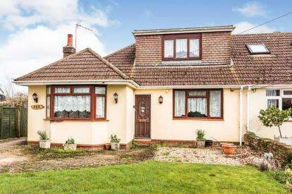 3 Bedrooms Bungalow for sale in Woodlands, Hampshire