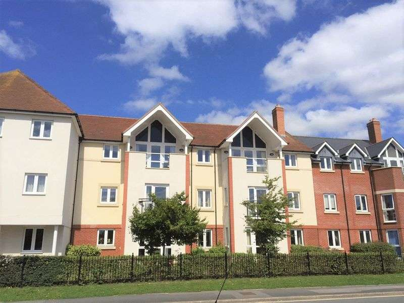 1 Bedroom Property for sale in Farringford Court, Lymington: ** ALL REASONABLE OFFERS CONSIDERED**